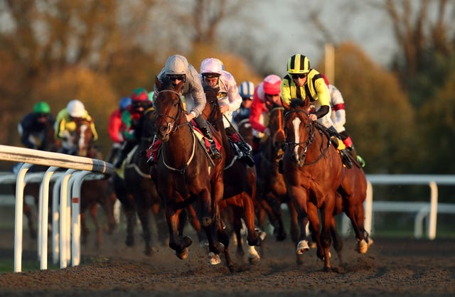 Kempton can prepare to allow in racegoers from next Wednesday
