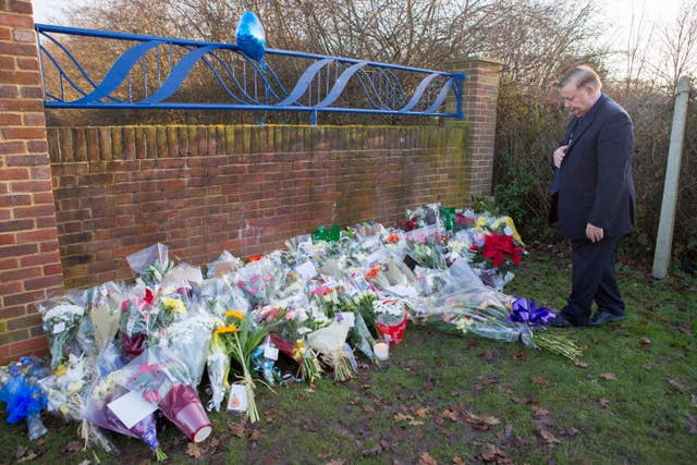 Loughton tributes