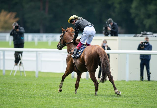 Stradivarius left the opposition toiling in the Gold Cup at Ascot