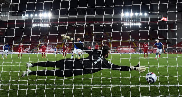 Gylfi Sigurdsson wrapped things up from the penalty spot