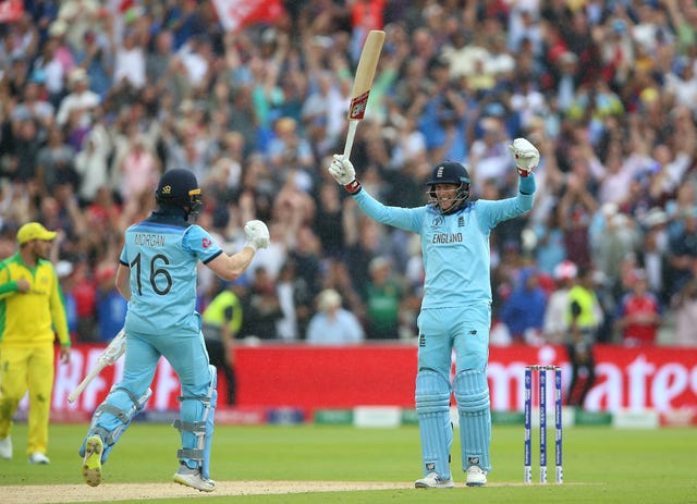 Captain Eoin Morgan (left) and Joe Root guided England past their victory target