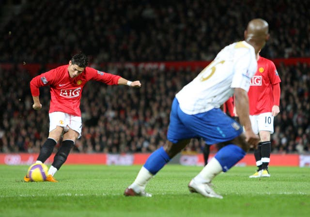 Soccer – Barclays Premier League – Manchester United v Portsmouth – Old Trafford