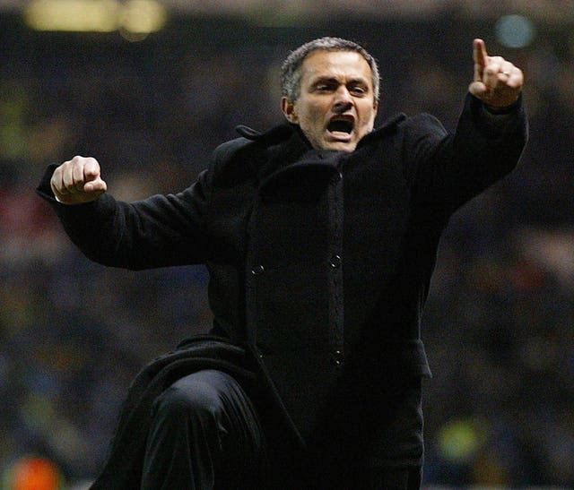Mourinho celebrates as Porto stun Manchester United in the 2004 Champions League at Old Trafford