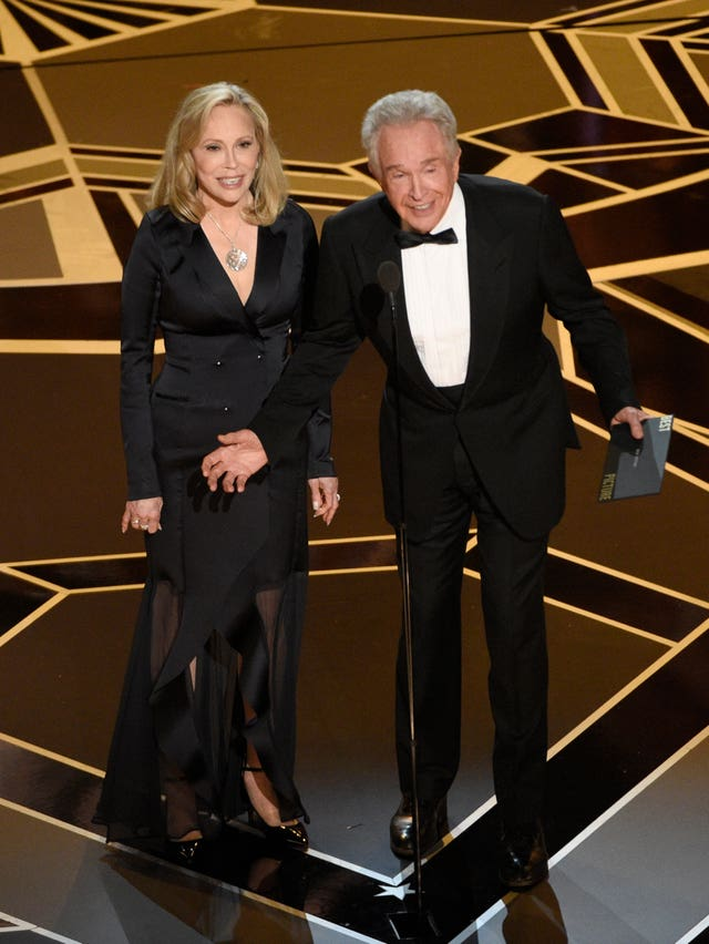 Faye Dunaway, left, and Warren Beatty (Chris Pizzello/Invision/AP)
