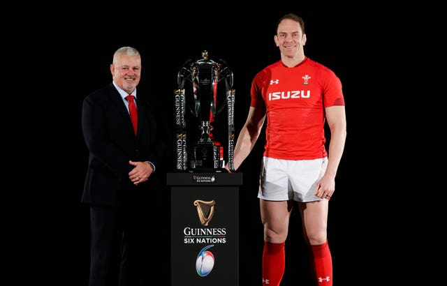 Warren Gatland (left)