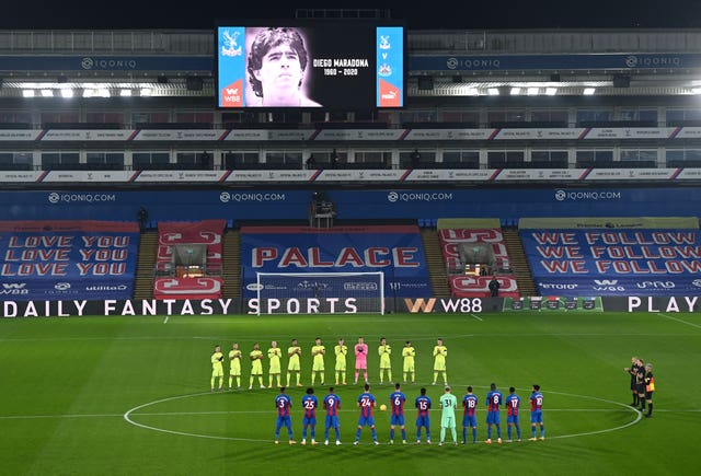 Players honour Diego Maradona before kick-off