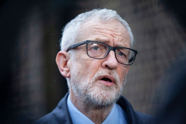"""Jeremy Corbyn """"Data Title ="""" Supreme Court Judgment by Jeremy Corbyn """"Data Copyright Holder ="""" PA Wire """"Data Copyright Notice ="""" PA Wire / PA Images """"Data Credit ="""" Hollie Adams """"Data Terms of Use ="""" FILE PHOTO """"srcset ="""" https://image.assets.pressassociation.io/v2/image/production/73cb6f96fef7650eb93ac7cd0f659d78Y29udGVudHNlYXJjaCwxNTk2NDA1ODYw/2.54525.j /image/production/73cb6f96fef7650eb93ac7cd0f659d78Y29udGVudHNlYXJjaCwxNTk2NDA1ODYw/2.54525651.jpg?w=640 640W, https: //image.assets .pressassociation.io / v2 / image / production / 73cb6f96fef7650eb93ac7cd0f659d78Y29udGVudHNlYXJjaCwxNTk2NDA1ODYw / 2.54525651.jpg? w = 1280 1280w """"Sizes ="""" (max -Width: 767px) 54px, 100p, 54p, 54p, 100p, 54p, 100p, 54p, 100p, pp 580px """"/>   <figcaption>Former union leader Jeremy Corbyn criticized the decision to pay compensation to former employees who supported a party's TV investigation into anti-Semitism cases (Hollie Adams / PA).</figcaption></figure> </div> <p>Sir Keir has so far ruled out speculating what will be in the next election manifesto, but has regularly stressed that the Labor platform was defeated in the December elections in 2019.</p> <p>Mr. McCluskey said, """"He must recognize that the ship he is sailing will go down if it lists too much on the right.</p> <p>""""We have to wait and see how the situation develops.</p> <p>""""Unite is financially a very powerful and strong union. We have a political fund that is the largest in all of Europe.</p> <p>""""Of course my members would expect us to be influential in this regard.""""</p> <p>The 70-year-old also ruled out stepping down as Unite leader before his term ends in April 2022.</p> </p></div> <p><script async src="""