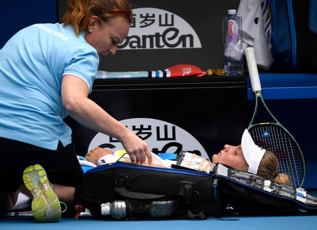 Dayana Yastremska receives a medical time-out