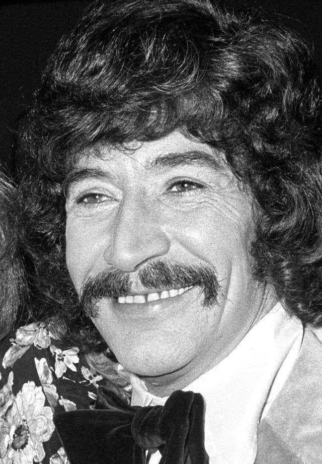 Peter Wyngarde dies