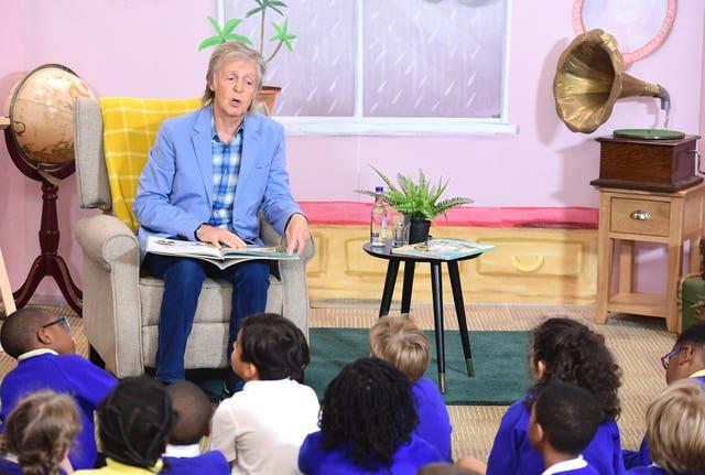 Paul McCartney reads his new book, Hey Grandude!, to a class of school children