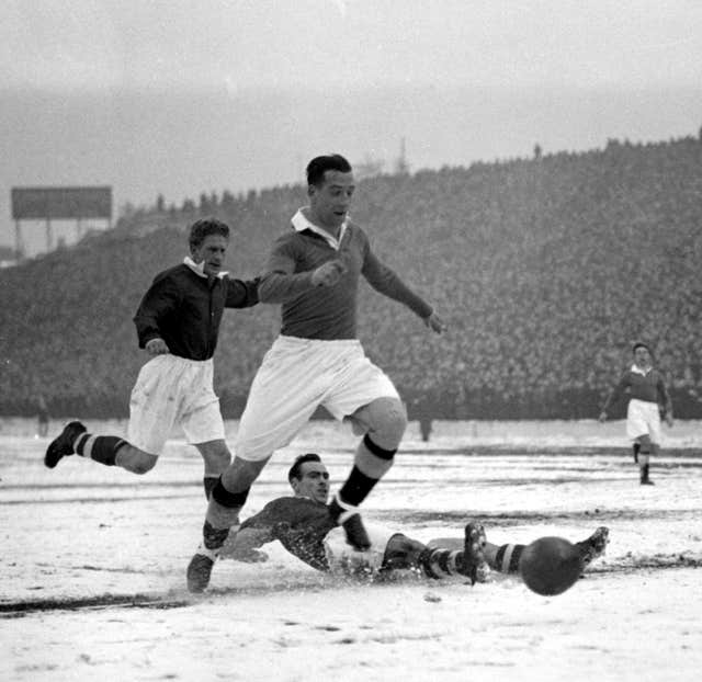 Tommy Lawton in action