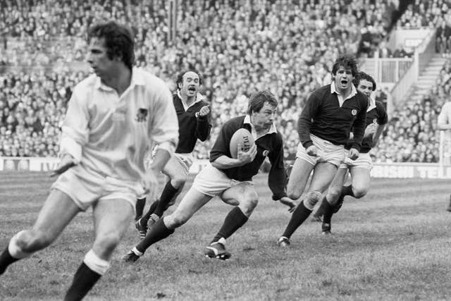 Roy Laidlaw (with ball) chalked up more than 500 games during a stellar career which spanned 17 years