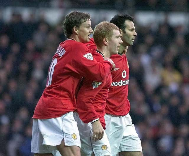 Paul Scholes, centre, and Ole Gunnar Solskjaer, left, were long-time team-mates at Old Trafford