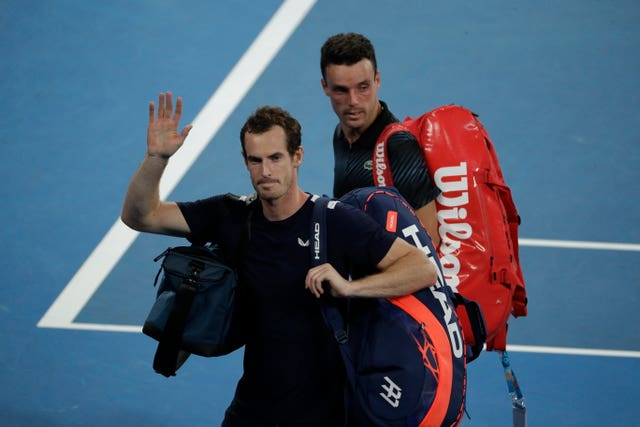 Andy Murray went down in five sets o Spain's Roberto Bautista Agut in their Australian Open first-round match (Mark Schiefelbein/AP).