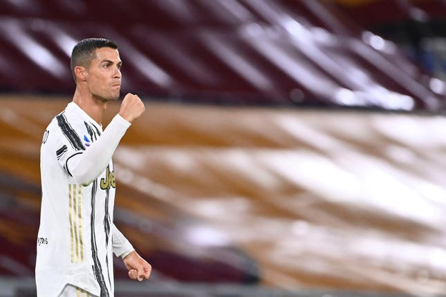Cristiano Ronaldo scored both goals in Juventus' 2-2 draw at Roma