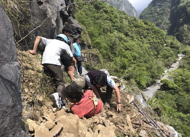 An injured tourist in Taroko National Park