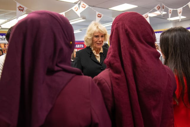 Camilla meets the pupils