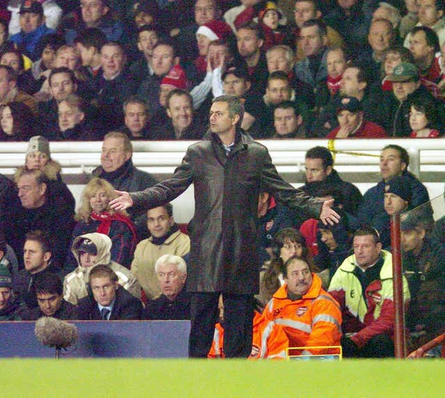 Jose Mourinho's first clash with Arsene Wenger ended 2-2 at Highbury in a Premier League game in December 2004.