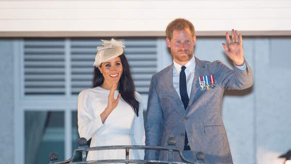 Harry and Meghan bow out from royal life with vow to help in coronavirus crisis