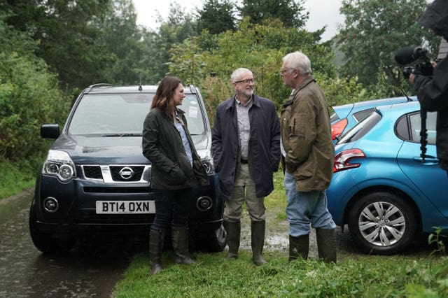 Labour leader Jeremy Corbyn and shadow Defra secretary Sue Hayman in Castlerigg, Keswick
