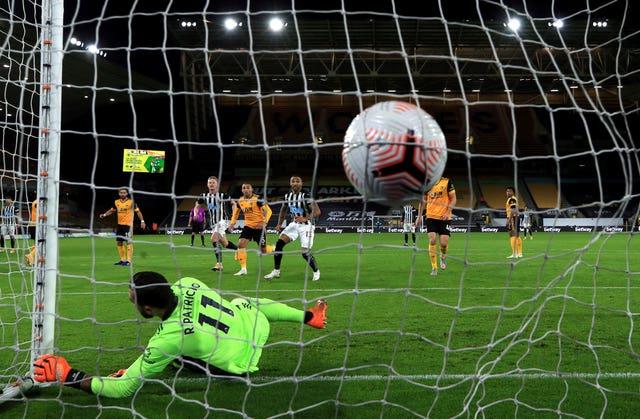 Jacob Murphy's free-kick beats Wolves goalkeeper Rui Patricio
