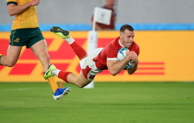 Gareth Davies scores a try in Wales' 29-25 World Cup win over Australia