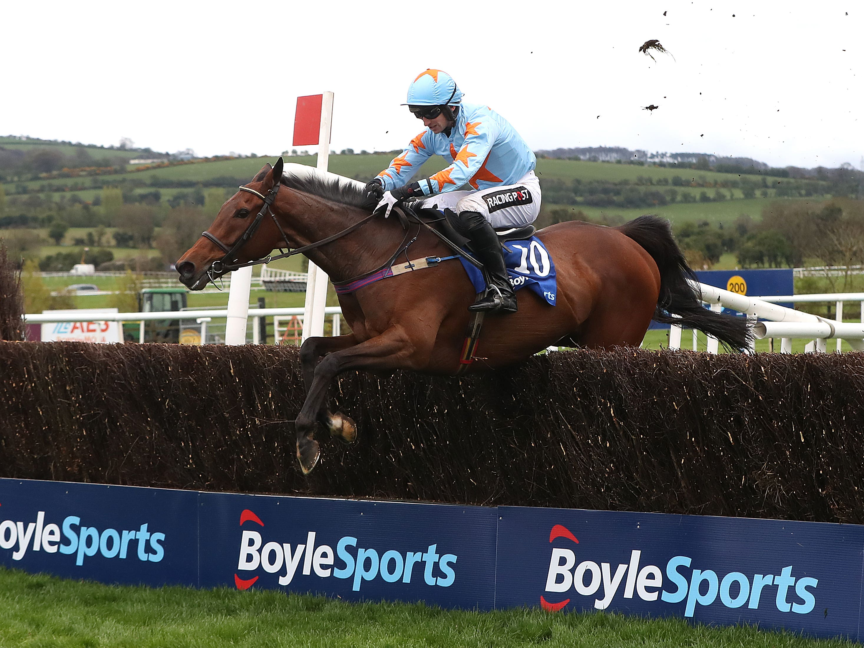 Un De Sceaux shows no signs of slowing down despite turning 12 (Niall Carson/PA)