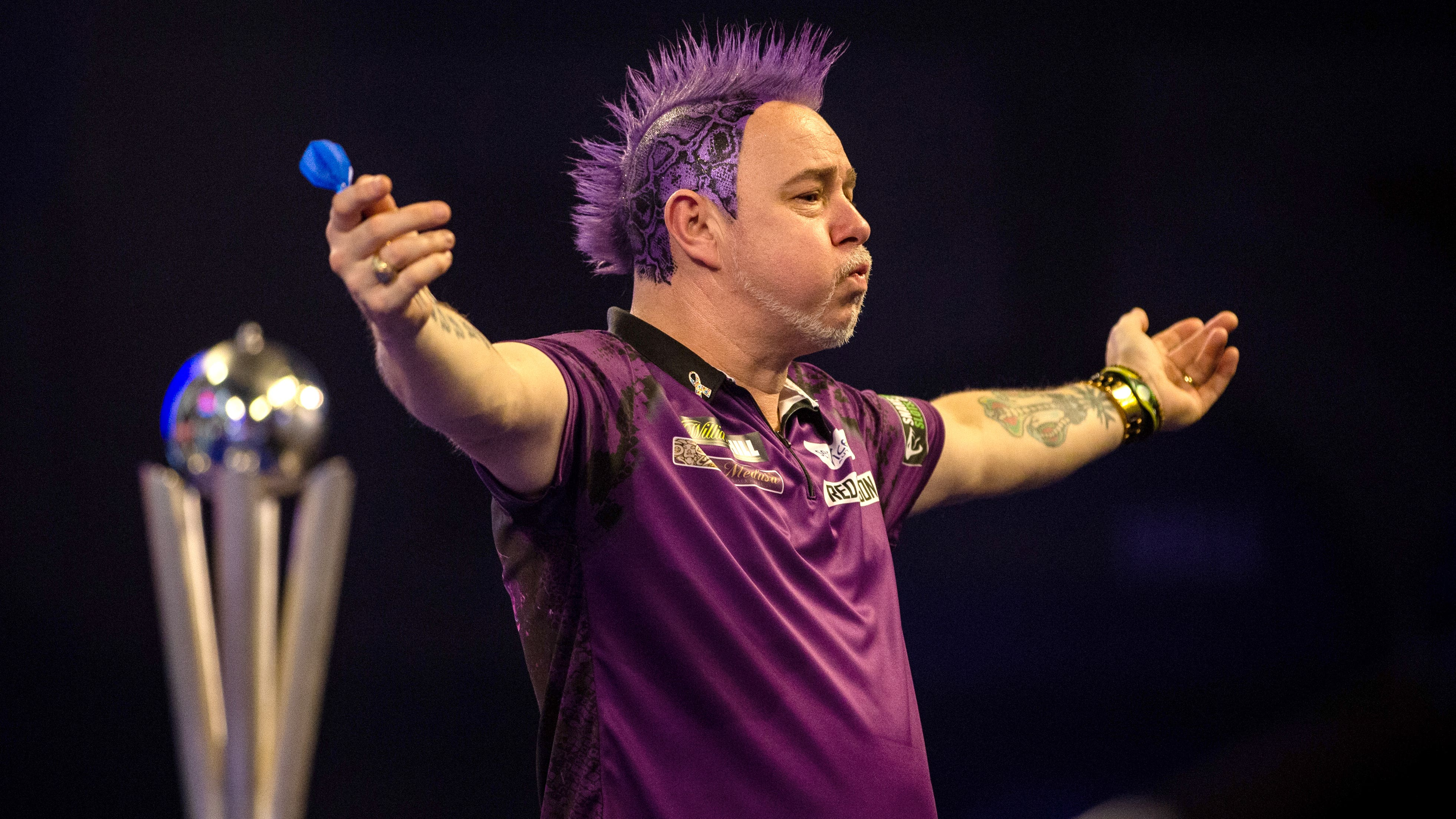 World champion Peter Wright won't let lockdown burst his bubble as darts  returns | BT Sport