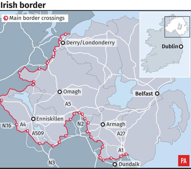 Graphic locates main Irish border crossings