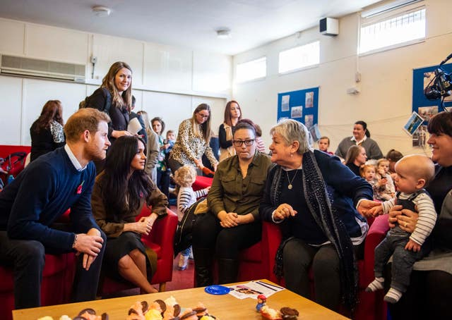 The Sussexes in the centre