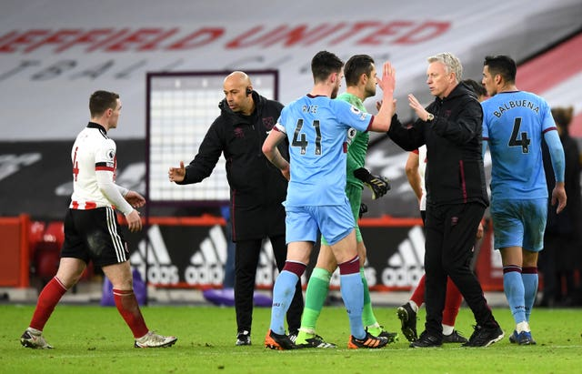 David Moyes (second right) congratulates Declan Rice after the win over Sheffield United
