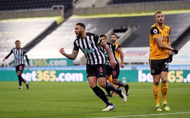 Newcastle captain Jamaal Lascelles headed the home side ahead