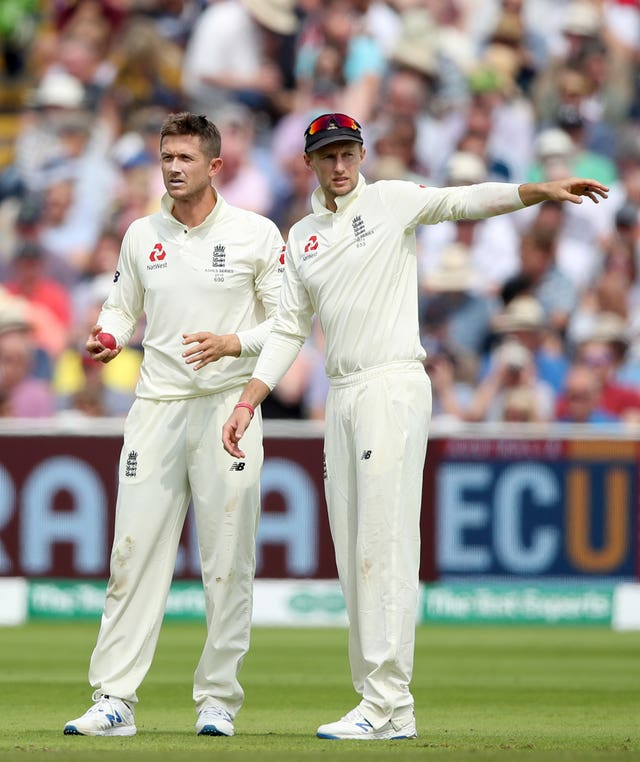 Root was reluctant to turn to Denly's leg spin
