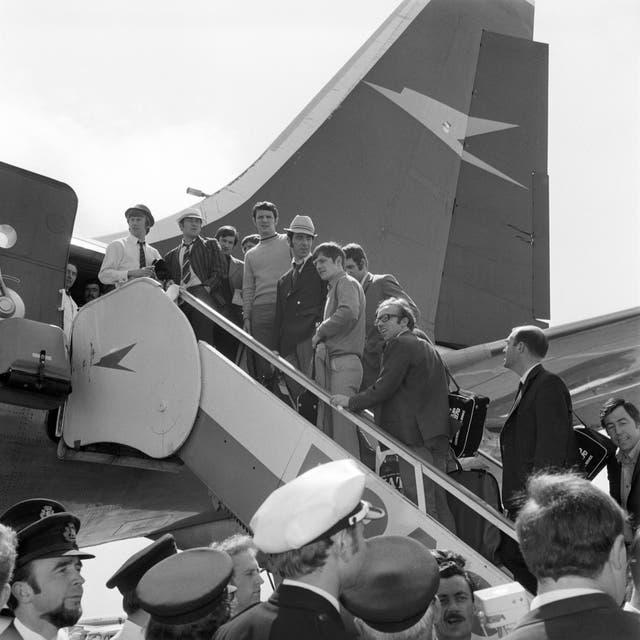 Soccer – World Cup Mexico 1970 – England Team – Heathrow Airport