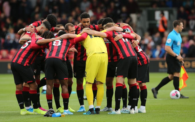 Bournemouth huddle before kick-off