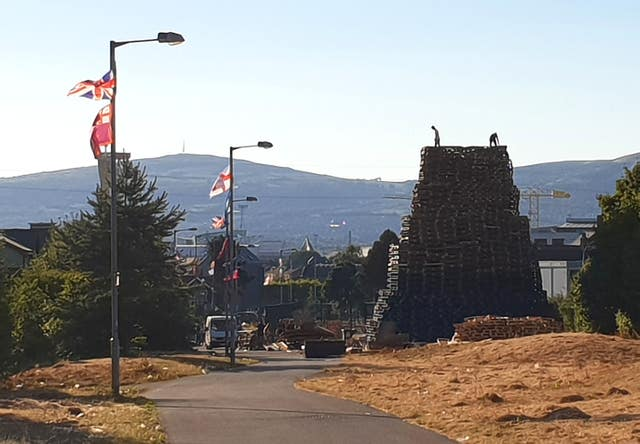 Walkway bonfire builders told to take it down