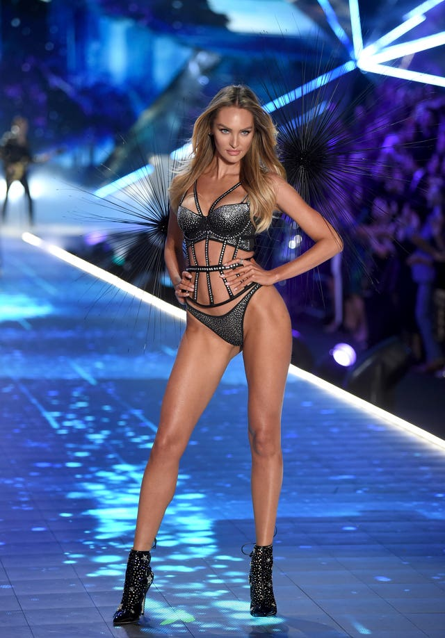 792288277d Kendall Jenner and the Hadid sisters wow in Victoria s Secret ...