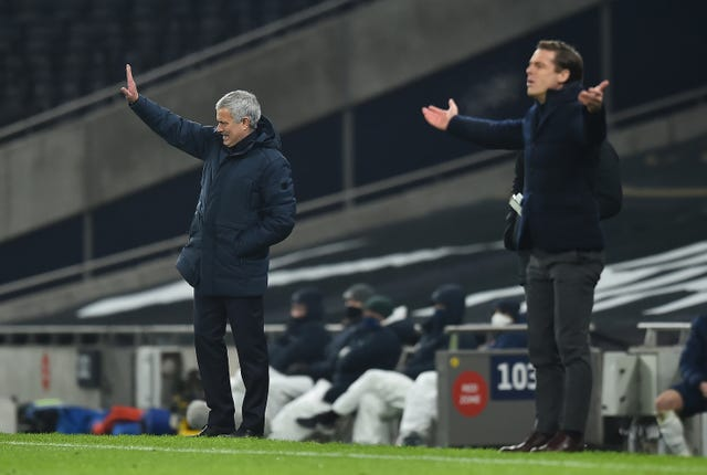 Jose Mourinho and Scott Parker on the touchline