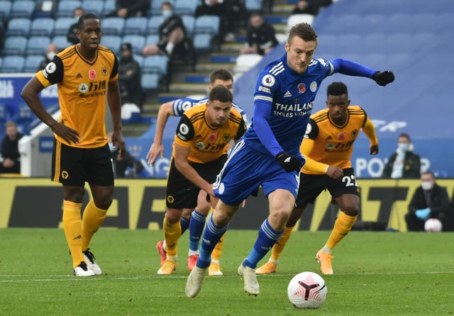 Jamie Vardy scored one spot-kick and missed another but Leicester still finished the weekend at the summit after a 1-0 win against Wolves
