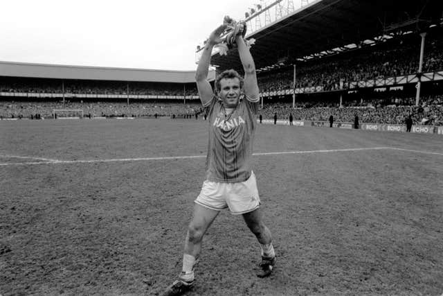 Peter Reid celebrates winning the league with Everton