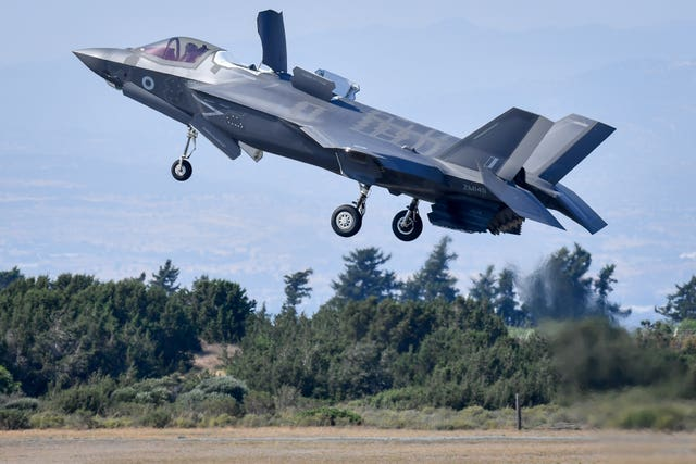 F-35 Lightning jets overseas deployment