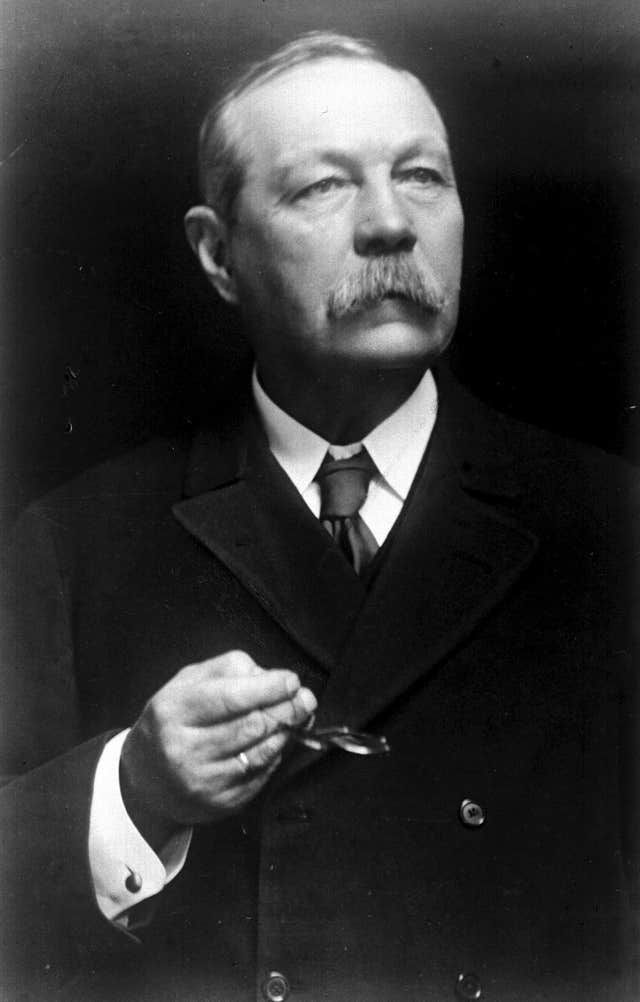 Sir Arthur Conan Doyle, famous for creating the fictional detective Sherlock Holmes