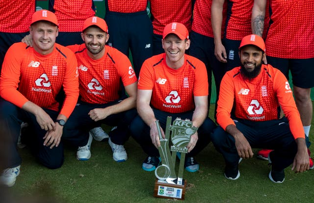 Eoin Morgan (second right)