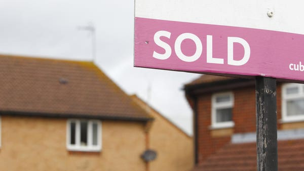 Surveyors' expectations for near-term house sales at weakest levels since April