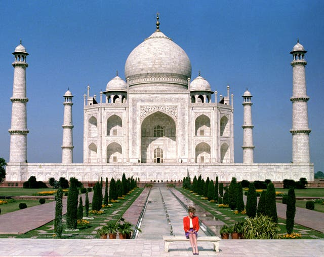 Princess of Wales in India sitting in front of the Taj Mahal