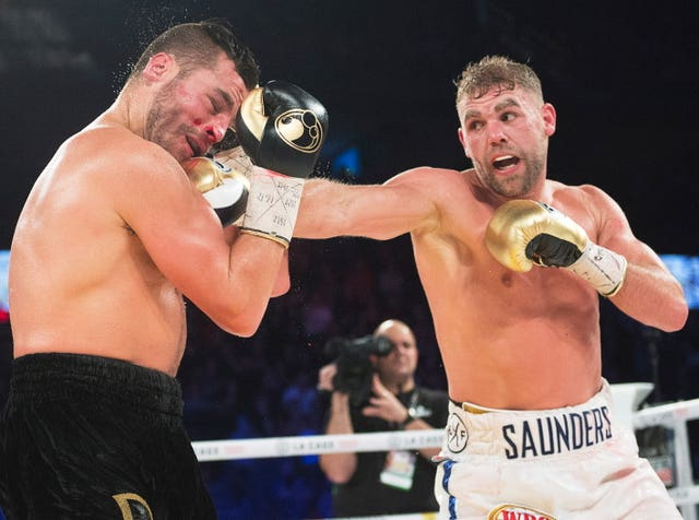 David Lemieux takes a right to the jaw from Billy Joe Saunders