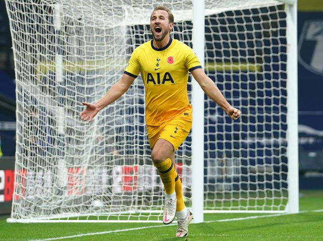 Harry Kane fired Spurs to the top of the table in the early kick-off