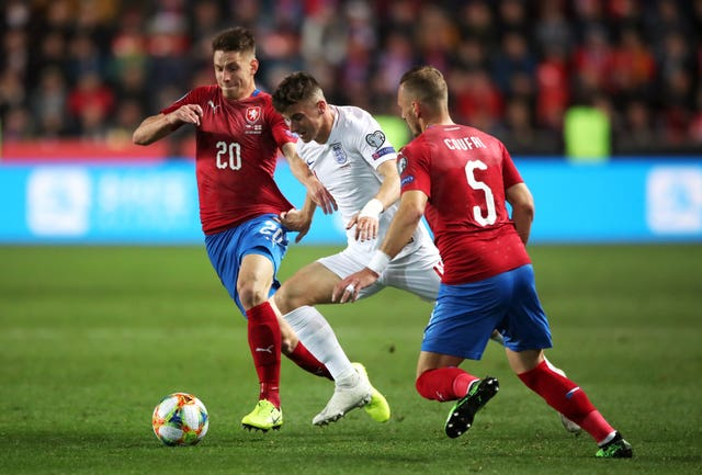 Mason Mount could miss out for England