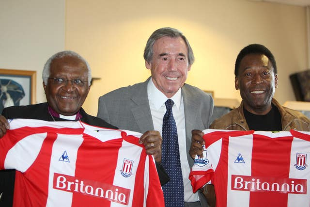 Gordon Banks, centre, with Archbishop Desmond Tutu, left, and Pele