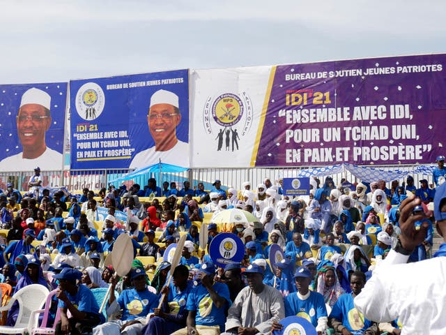 Supporters of Chadian President Idriss Deby Itno at a rally in N'djamena on April 9